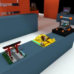 Zu sehen sind folgende ausgedruckte 3D Modelle, ein japanisches Gartentor und eine Pyramide.